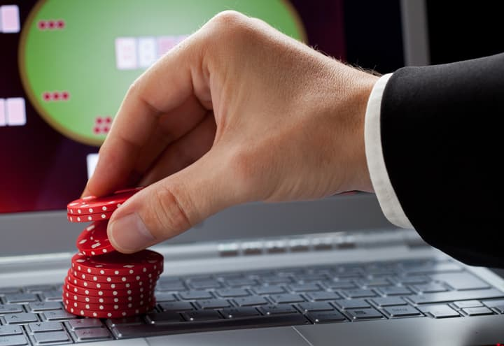 play poker for a living